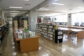 図書館閲覧室